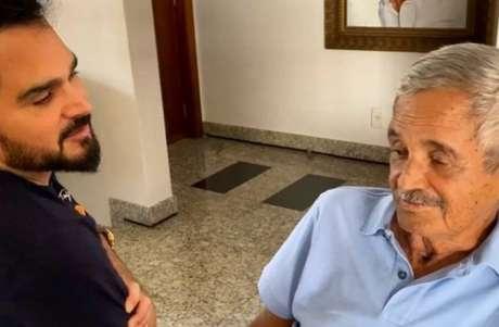 Luciano Camargo ao lado do pai, Francisco, que morreu em 23de novembro de 2020