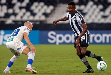 Kalou anda devendo na passagem pelo Alvinegro (Foto: Vítor Silva/Botafogo)