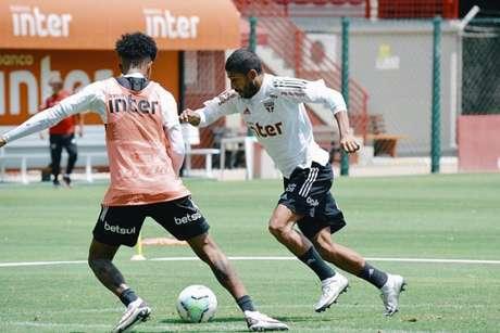 Rojas voltou a ser relacionado depois de dois anos (Foto: Divulgação/São Paulo)