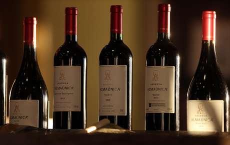 Vinho é uma boa pedida para as festas de final de ano.