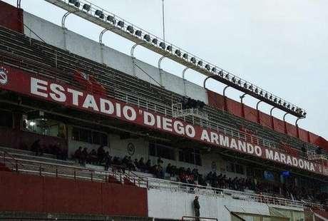O estádio onde joga o Argentinos Juniors tem capacidade para 26 mil espectadores