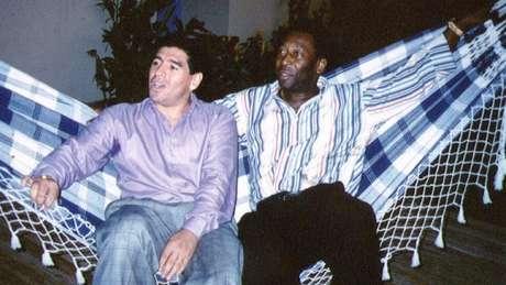Relação entre Pelé e Maradona foi marcada por trocas de farpas e declarações de admiração mútua