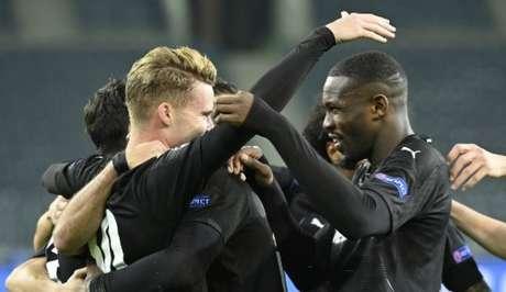 Mönchengladbach goleou novamente (Foto: Ina Fassbender / AFP)