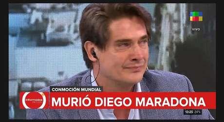 Tomado pela emoção, Guillermo Andino, da América TV, quase não conseguiu terminar seu programa