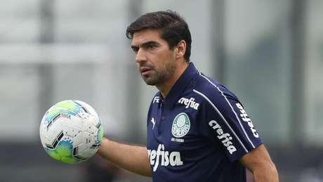 Abel lamentou o falecimento de um dos maiores jogadores da história do futebol (Foto: Cesar Greco/Palmeiras)