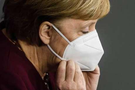 Merkel anunciou a prorrogação do lockdown parcial até 20 de dezembro