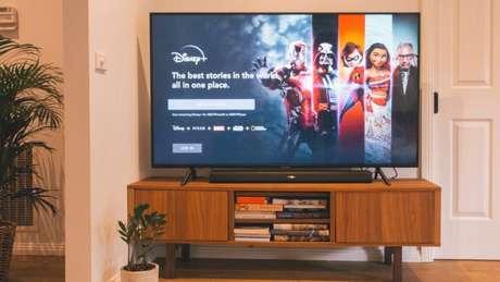 Disney+ pode ser acessado na Apple TV (Imagem: Marques Kaspbrak/Unsplash)