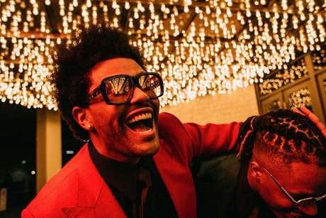 The Weeknd foi esnobado pelo Grammy e o fato causou polêmica nas redes sociais