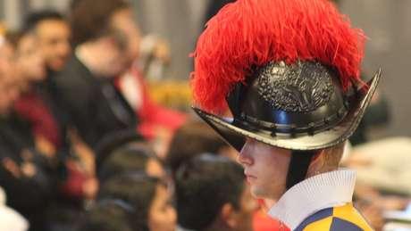 Guarda Suíça em missa no Vaticano, em 2019