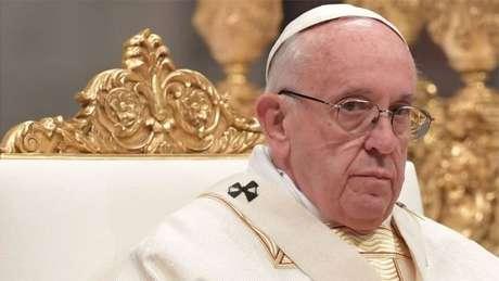 Papa Francisco costuma quebrar protocolos de segurança