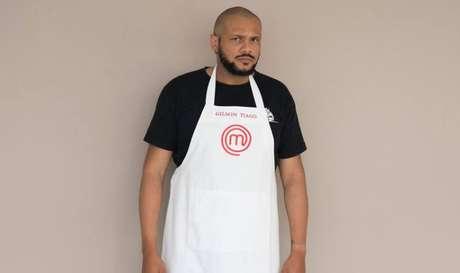 Gilson Tiago tem 33 anos e aprendeu a cozinhar comida caipira. Quer abrir um rock bar com petiscos.