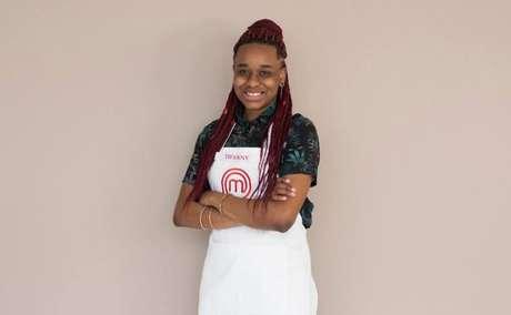 Tiffany tem 21 anos e começou a cozinhar quando passou a morar sozinha. Sonha em se tornar uma grande chef de cozinha.