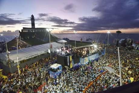 O cantor Léo Santana durante desfile do Carnaval 2020, na cidade de Salvador