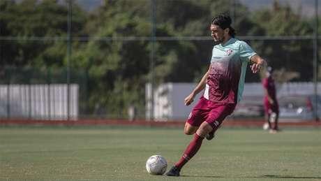 Defensor pediu para a equipe ser agressiva nos dois jogos que terá em casa (Foto: LUCAS MERÇON / FLUMINENSE)