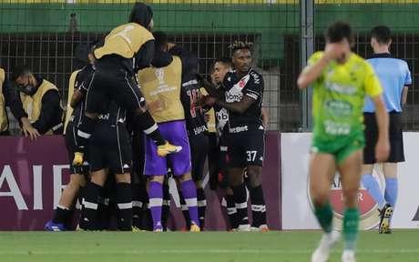 Vasco saiu na frente, apesar de ter criado pouco no jogo desta quinta-feira, fora de casa (Foto: AFP)