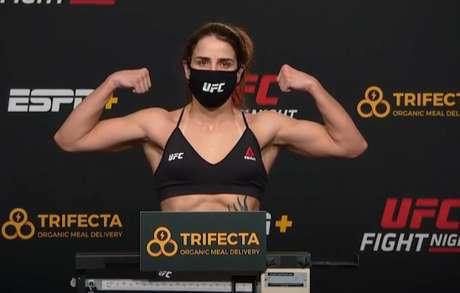 Norma Dumont foi a única atleta do card que não conseguiu bater o peso (Foto: ReproduçãoYouTube/UFC)