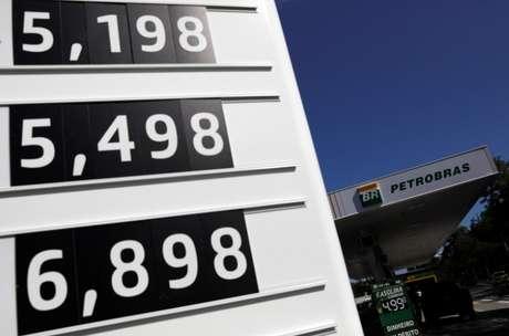Preços de combustíveis em posto no Rio de Janeiro (RJ)  09/03/2020 REUTERS/Ricardo Moraes