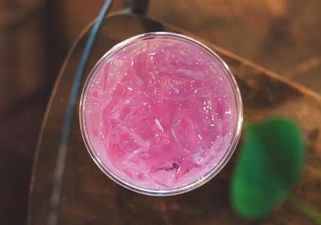 Guia da Cozinha - Pink lemonade: aprenda a fazer essa bebida refrescante