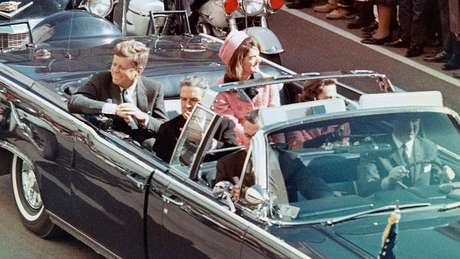 Minutos depois desta cena, Kennedy seria assassinado