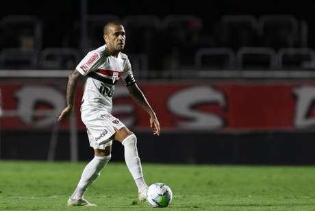 Dani Alves jogará pela primeira vez contra o Bahia em Salvador (Foto:Rubens Chiri/SPFC)