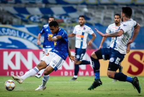 O time celeste perdeu grandes chances de gol e teve uma atuação ruimcontra o Confiança, depois de vencer fora de casa a líder Chapecoense-(Foto: Bruno Haddad/Cruzeiro)