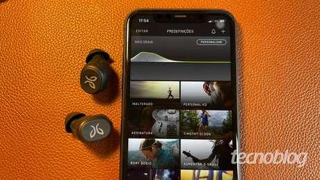Fone Bluetooth Jaybird Vista (Imagem: Darlan Helder/Tecnoblog)