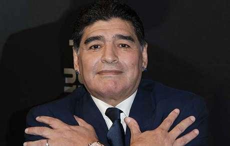 Funcionario de funeraria e despedido por selfie com Maradona