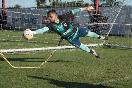 Vai segurar? O goleiro Diego Alves está com contrato perto do fim com o Flamengo (Foto: Alexandre Vidal/Flamengo)