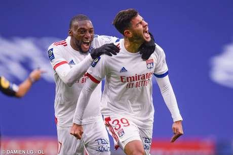 Lyon vence e cola no PSG na Ligue 1 - Divulgação / Lyon