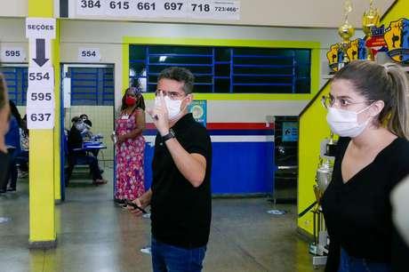 O candidato David Almeida (Avante) vence as eleições em Manaus