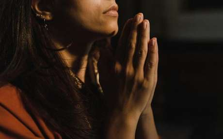 Faça a oração de gratidão a Deus diariamente -
