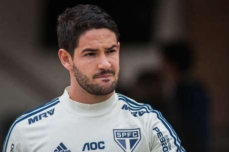 Atacante e clube rescindiram contrato em agosto (Foto: Maurício Rummens/Fotoarena/Lancepress!)