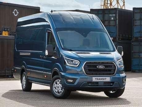 Ford Transit: produção no Uruguai e importação para o Brasil.