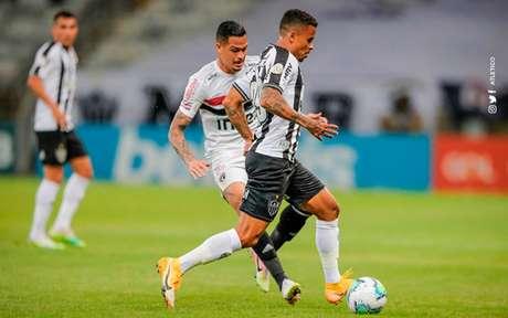 """O Galo venceu o Tricolor no turno do Brasileirão e """"seca"""" o rival para não perder a ponta do Brasileirão-(Foto: Divulgação/Atlético)"""