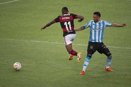 Vitinho perdeu algumas oportunidades do Flamengo diante do Racing (Foto: Alexandre Vidal/Flamengo)