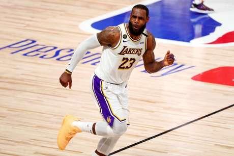 LeBron James está sem jogar pelo Los Angeles Lakers há mais de um mês, por causa de uma entorse de tornozelo 11/10/2020 Kim Klement-USA TODAY Sports