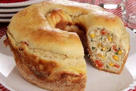 Guia da Cozinha - Pão recheado de frango com Catupiry®