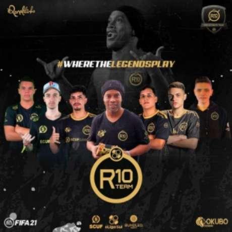Ronaldinho e os atletas do R10 Team. Sucesso já na primeira temporada