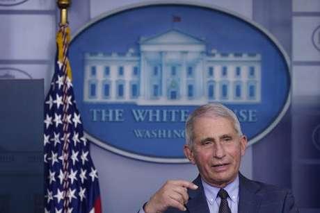 Fauci foi convidado a permanecer na Casa Branca durante o governo de Joe Biden