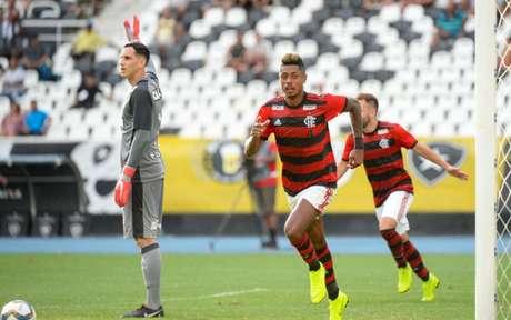 Bruno Henrique, com dois gols em sua estreia, já decidiu clássico no Nilton Santos (Foto: Alexandre Vidal / Flamengo)
