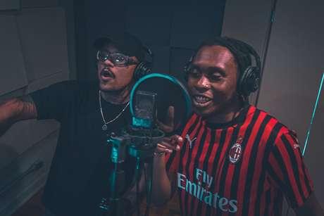 Yung Buda e Rincon Sapiência durante gravação da música Fé no Jogo