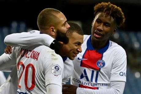 Mbappé marcou um (Foto: PASCAL GUYOT / AFP)