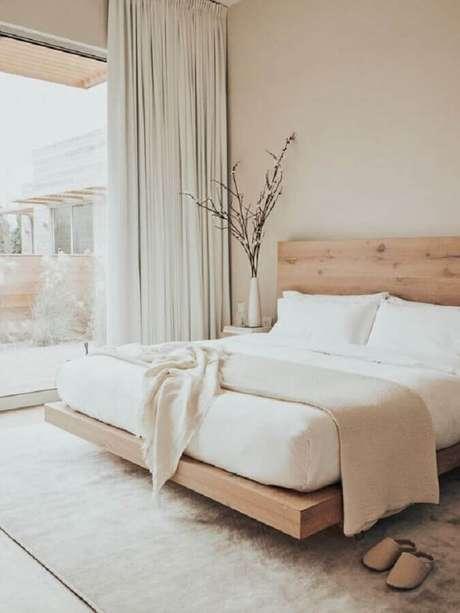 2. A madeira em cor clara ajuda na sensação de acolhimento do quarto decoração minimalista – Foto: Etsy