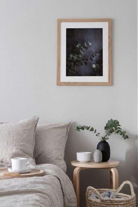 35. Mesa lateral redonda decorada com vasinhos para quarto decoração minimalista – Foto: Etsy