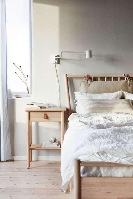 46. Móveis de madeira para decoração de quarto de casal minimalista – Foto: IKEA