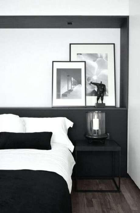 52. Decoração moderna para quarto minimalista preto e branco – Foto: Macho Moda