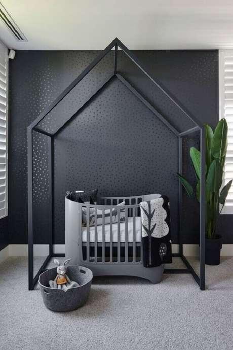 59. Cinza escuro para decoração de quarto de bebê minimalista – Foto: Juju Papers