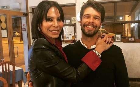 José Castelo Branco com o filho único, Guilherme, de 32 anos, que sempre aceitou o estilo do pai