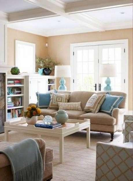 18. Decoração clássica para sala bege e azul – Foto: Home Fashion Trend