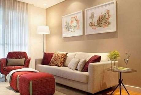3. Devido a neutralidade da cor é possível usar várias outras cores na decoração de sala bege – Foto: Pinterest